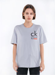 серая футболка 2019