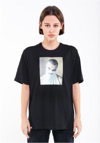 черная футболка hard
