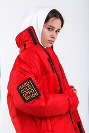 червона куртка HARD