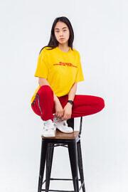 жёлтая футболка оверсайз