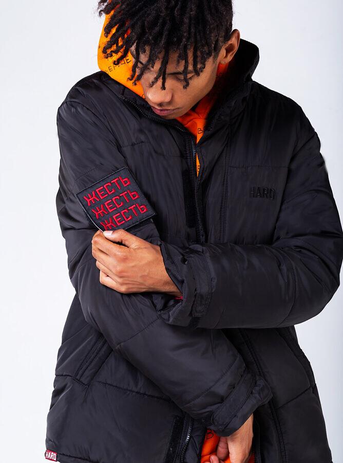 зимняя куртка с шевроном